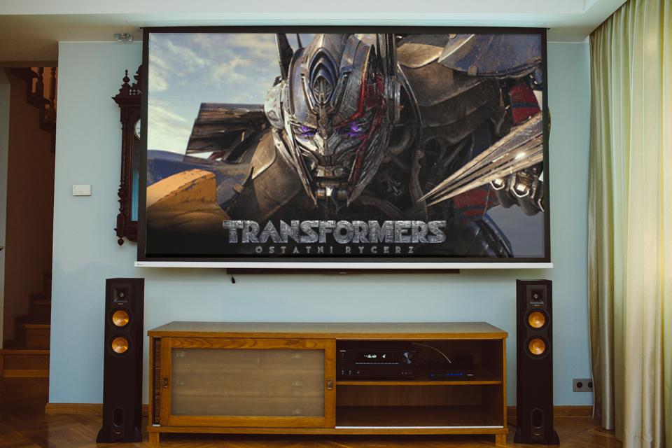 kino domowe z ekranem